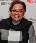 Maryamm Himid receiving award